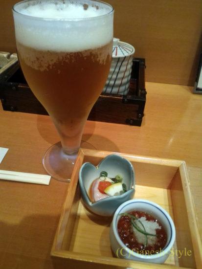 新潟の繁華街古町にある郷土料理居酒屋 越後茶屋古町酒房のビールとお通し
