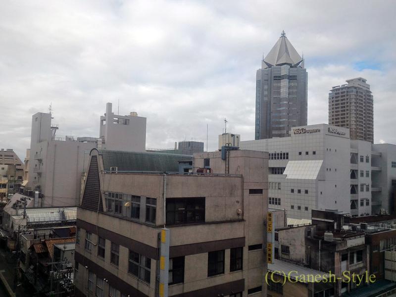 新潟市内中心部にあるホテルクラウンヒルズ新潟の客室からの景色