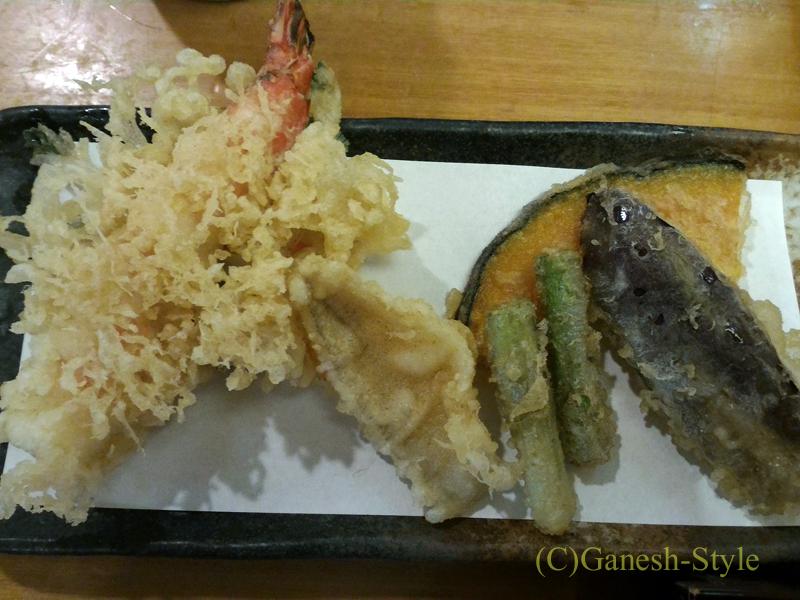 新潟県長岡にある有名なへぎそばの店長岡小嶋屋殿町本店の天ぷら