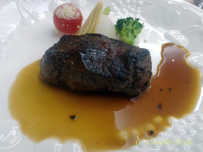 東京のセレス高田馬場での結婚式の披露宴で出た肉料理