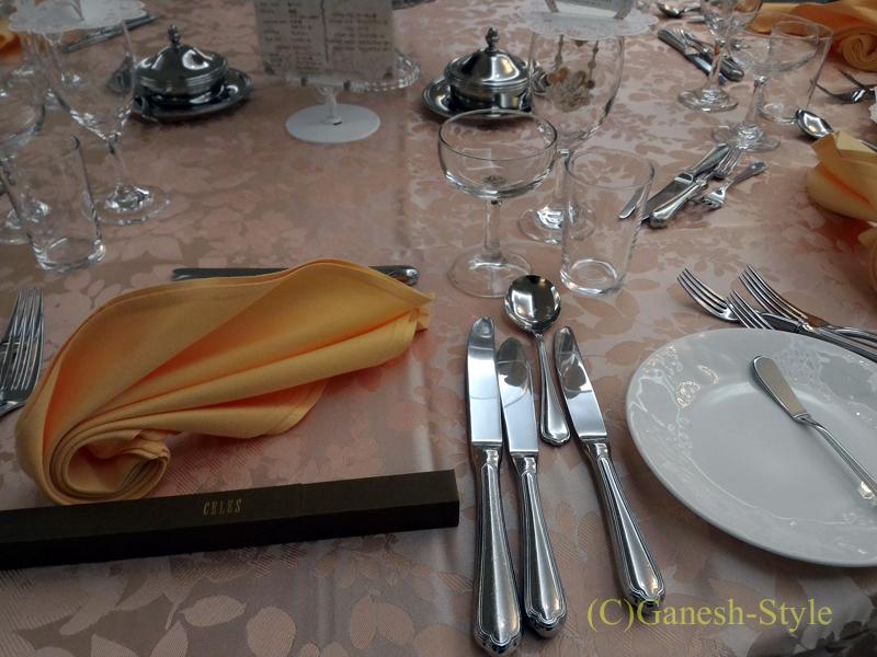 東京のセレス高田馬場の結婚披露宴のテーブルセッティング