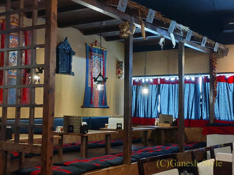 東京の大塚にあるネパール料理レストラン、カスタマンダップの座敷席