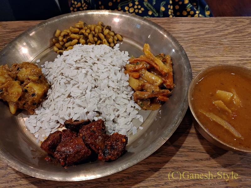 東京の大塚にあるネパール料理レストラン、カスタマンダップのネワリカジャセット