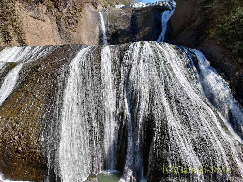 第1観瀑台から見た茨城県の奥久慈にある日本三名瀑のひとつ、袋田の滝