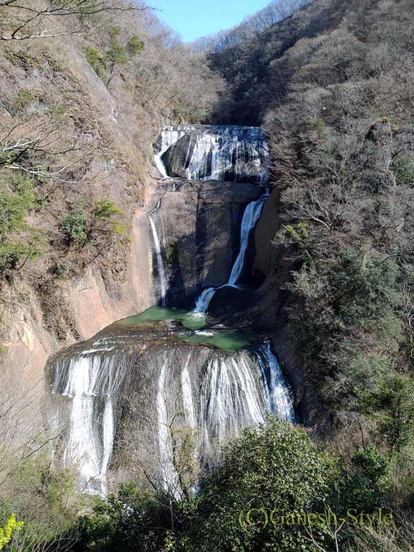 茨城県の奥久慈にある日本三名瀑のひとつ、袋田の滝全景