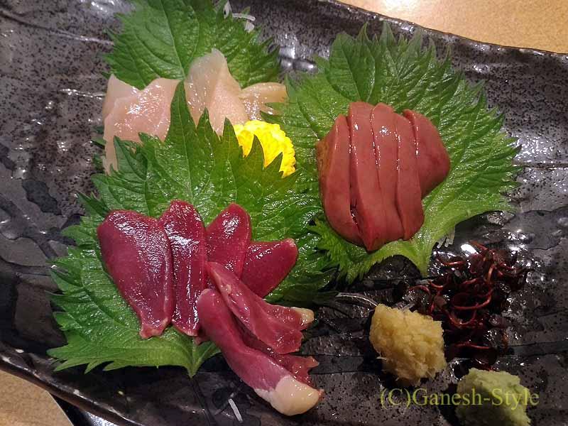 奈良にある大和肉鶏を堪能できる居酒屋やたがらすの大和肉鶏刺し身4種