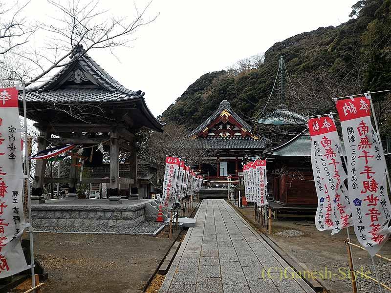 千葉県館山市にある西暦717年創建の名刹、那古寺の境内概観