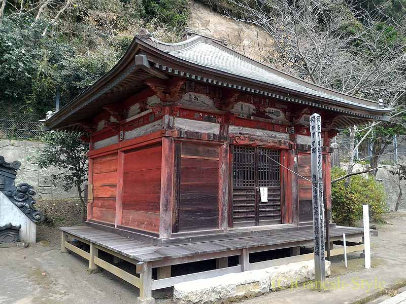 千葉県館山市にある西暦717年創建の名刹、那古寺の阿弥陀堂