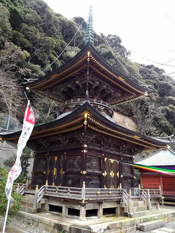 千葉県館山市にある西暦717年創建の名刹、那古寺の多宝塔