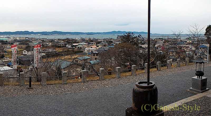 千葉県館山市にある西暦717年創建の名刹、那古寺から見た鏡ケ浦