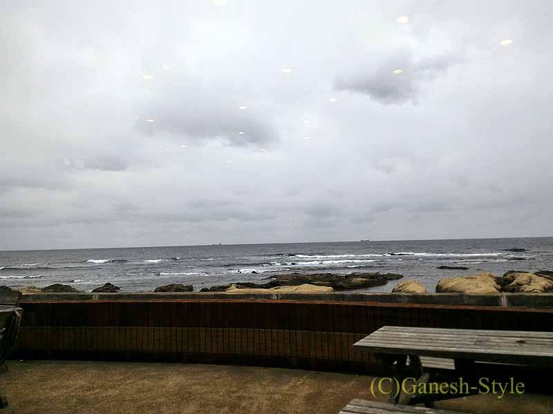 千葉県千倉町にあるすしと地魚料理の店、はな房から見た海