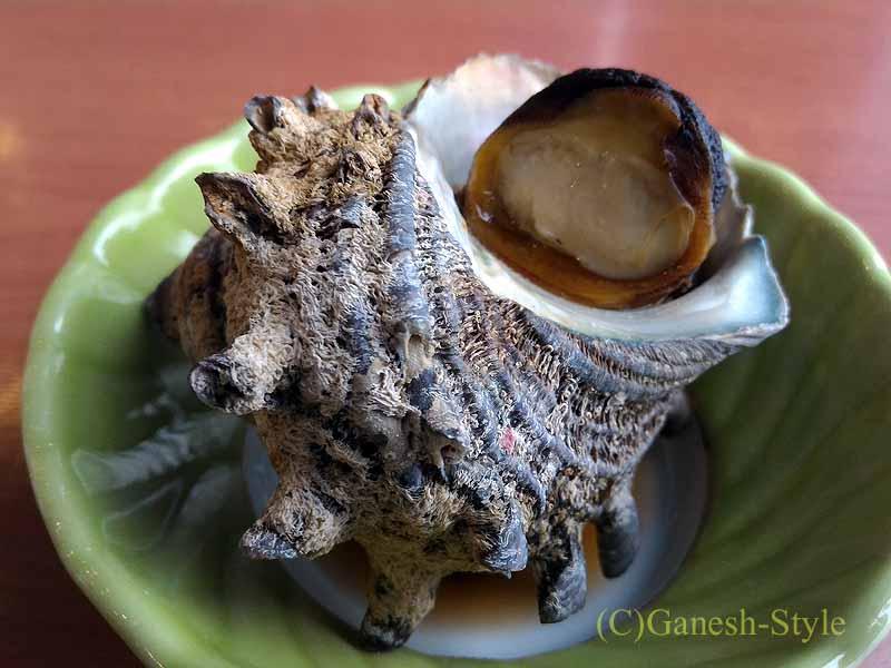 千葉県千倉町にあるすしと地魚料理の店、はな房のサザエのつぼ焼き