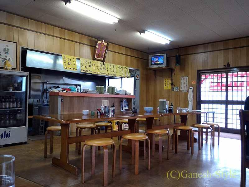 和歌山県紀の川市にある中華そばがおいしい大福軒の店内