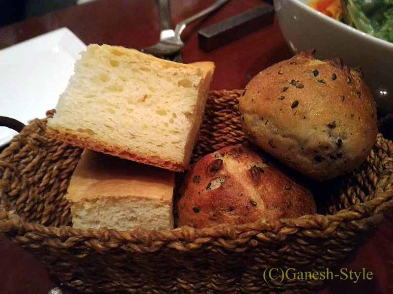 東京八丁堀の元酒屋がやってるビストロ、レトノのパン