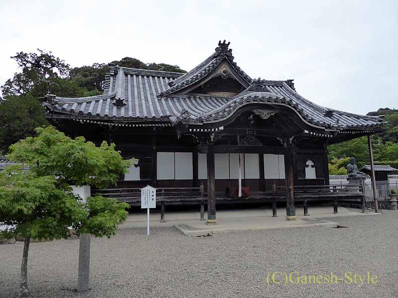 和歌山県紀の川市にある名刹、粉河寺の念仏堂