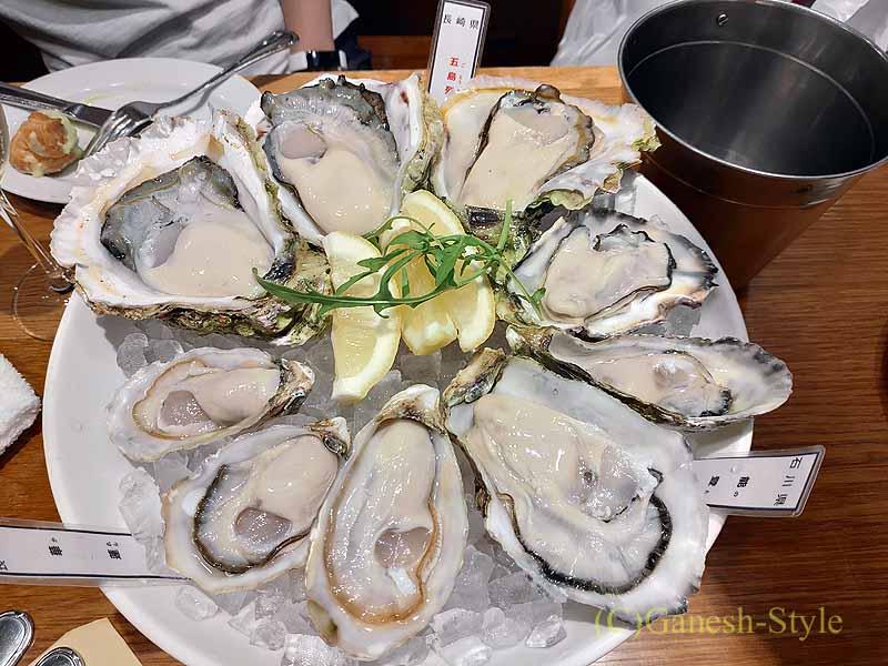 飯田橋にある牡蠣ビストロ貝殻荘の生牡蠣食べ比べ盛り合わせ