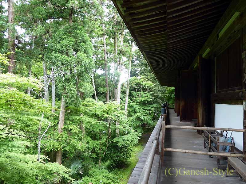 滋賀県大津市にある真言宗大本山の名刹、石山寺の本堂裏手