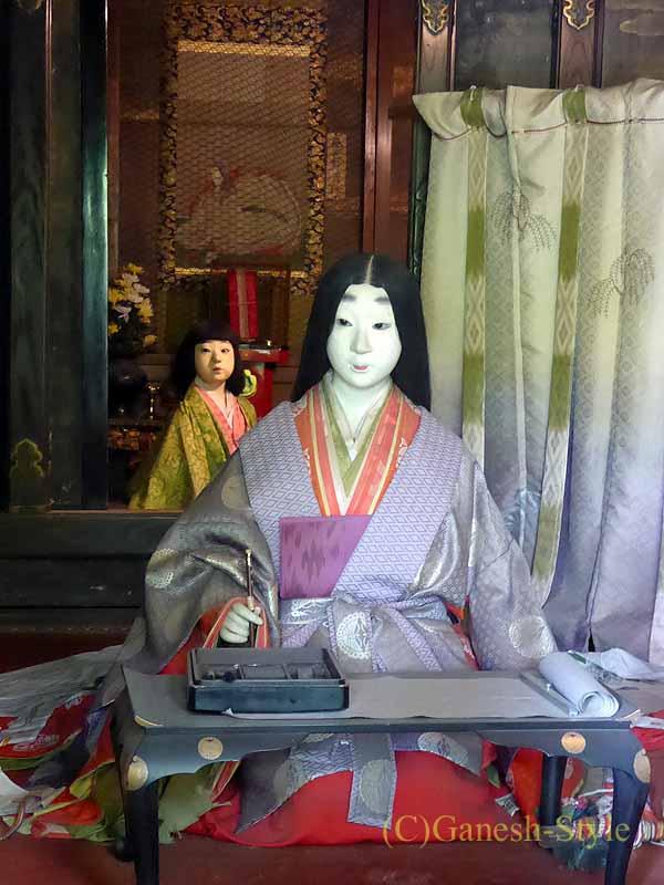 滋賀県大津市にある真言宗大本山の名刹、石山寺の紫式部