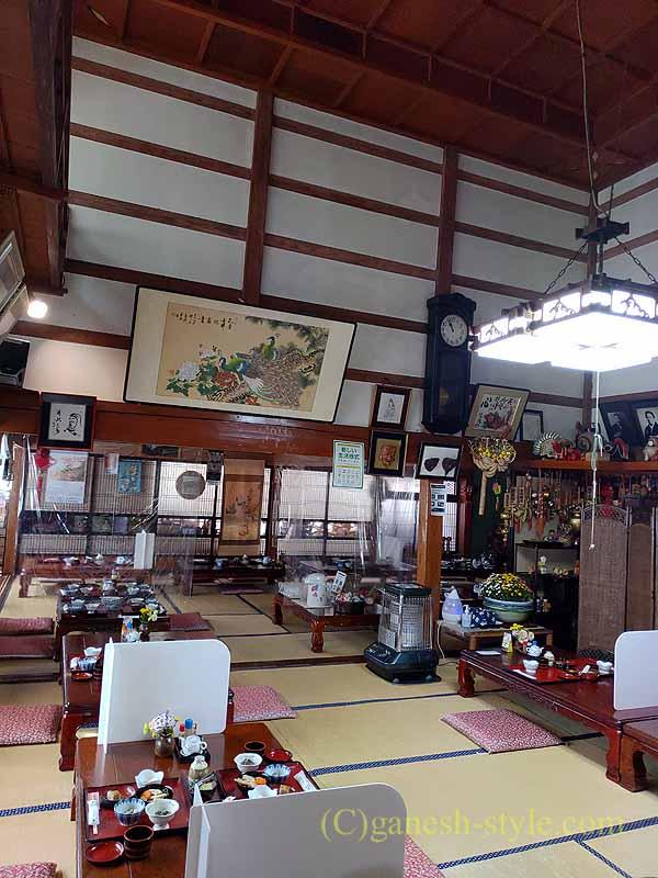 福島県北会津の宮古にある絶品の蕎麦店、かわまえの客席概観