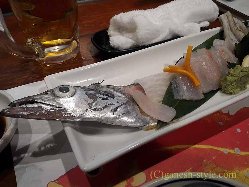 和歌山市内中心部にある海鮮居酒屋、いろは劇場の太刀魚のお造り