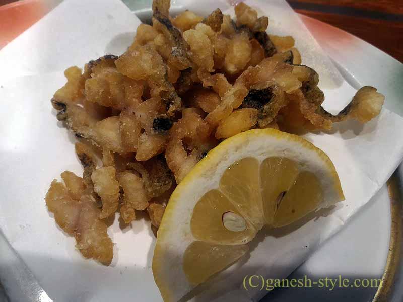 和歌山市内中心部にある海鮮居酒屋、いろは劇場の鱧の皮の唐揚げ