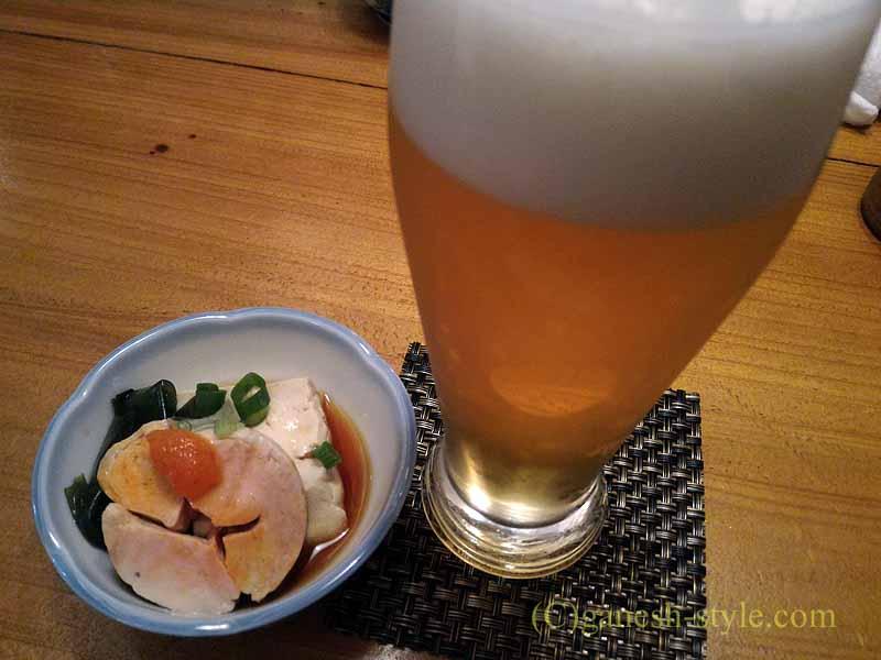 新宿の四谷荒木町にある焼き鳥居酒屋「鶏ひで」の突き出し