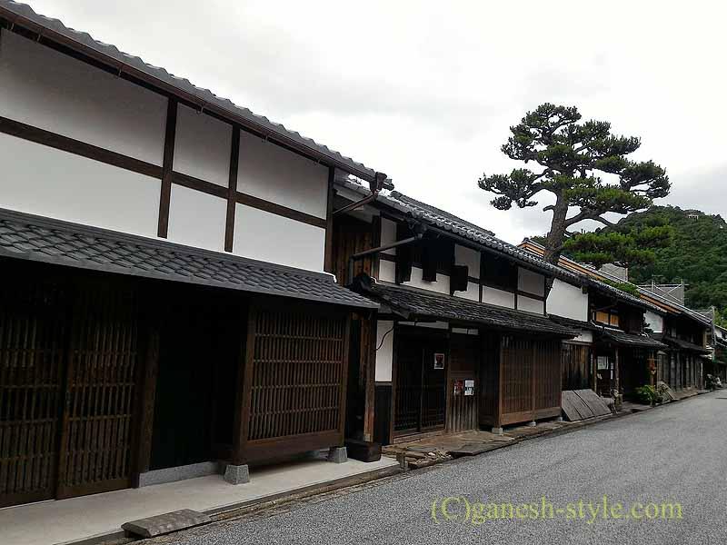 滋賀県近江八幡市の歴史的建築物の街並み