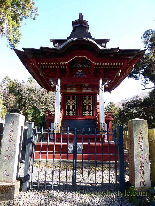 茨城県桜川市の雨引山腹に建つ雨引観音の東照宮