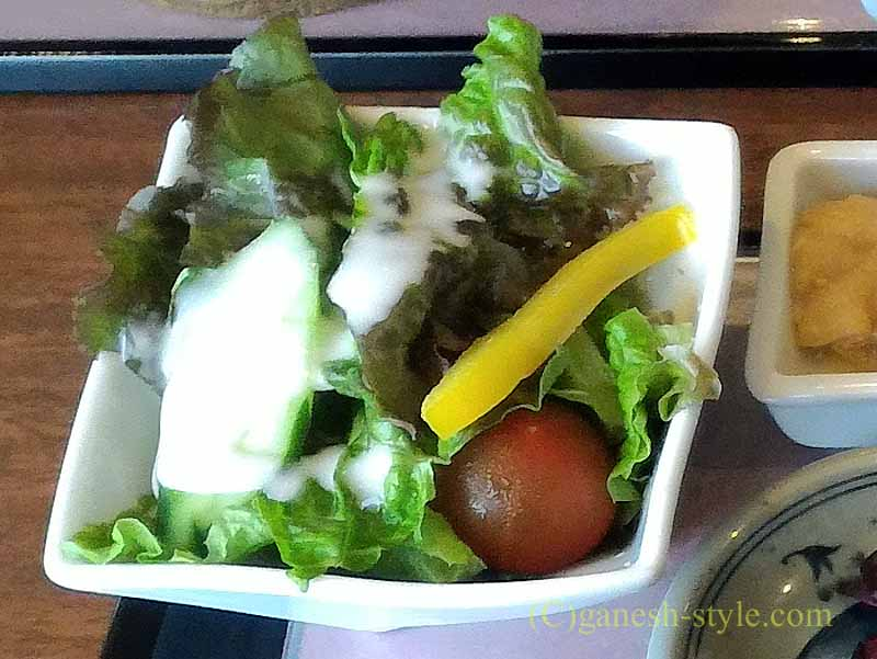 近江八幡の「近江牛創作ダイニング 久ぼ多屋」のすき焼き御膳のサラダ