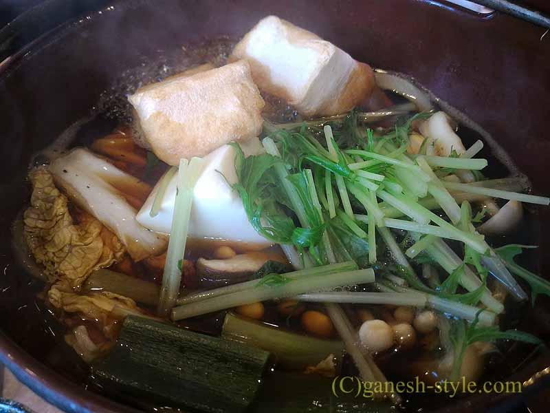 近江八幡の「近江牛創作ダイニング 久ぼ多屋」のすき焼き御膳の鍋