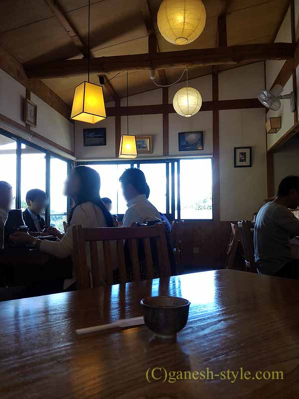 長野県伊那市の高遠そばの名店、ます屋の店内
