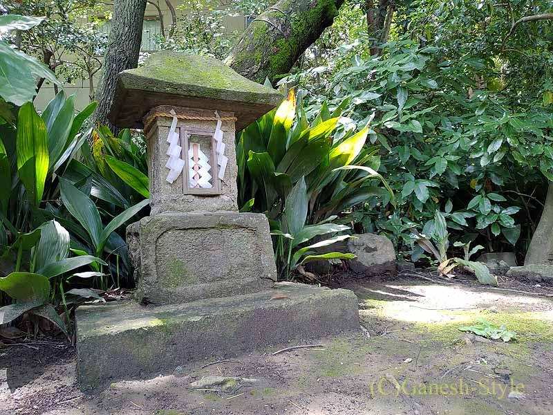 東京足立区にある酉の市発祥の地、大鷲神社の石灯篭