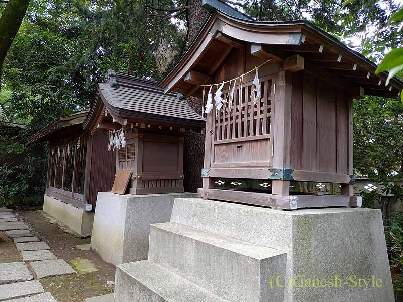 東京足立区にある酉の市発祥の地、大鷲神社の小さな社
